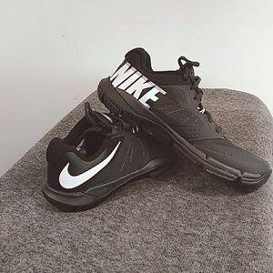Nike Mens Size 8 Training Flex Supreme3